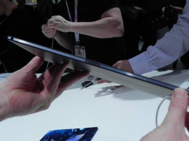 Sony Xperia Z2 в профиль
