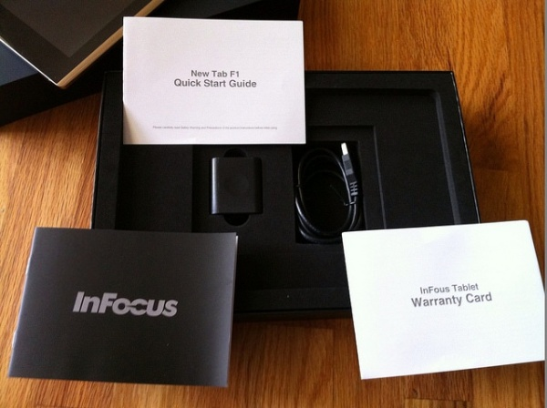 коробка InFocus New Tab F1