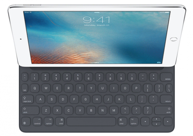 iPad Pro 9.7 with Smart Keyboard