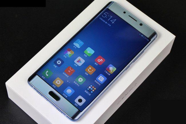 XiaoMi Mi Note 2: продолжает оставаться флагманом